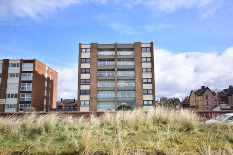 2 bedroom apartment to rent - North Promenade, Lytham St Annes, FY8