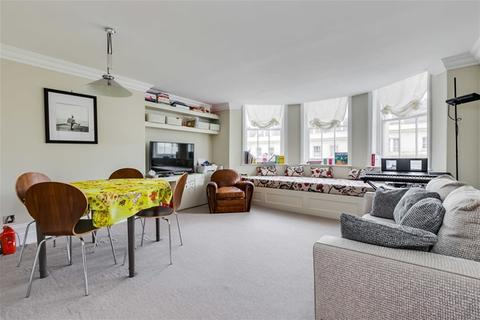 2 bedroom flat - Stanley Gardens, Notting Hill, London