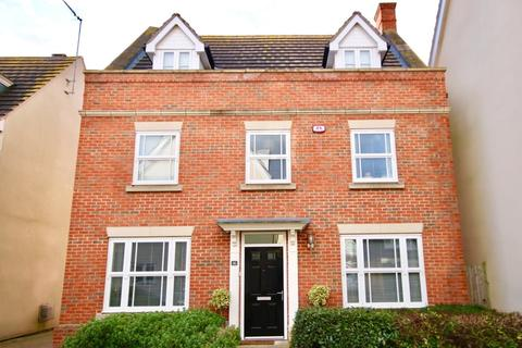5 bedroom house to rent - Taylor Way, Great Baddow, Chelmsford, CM2