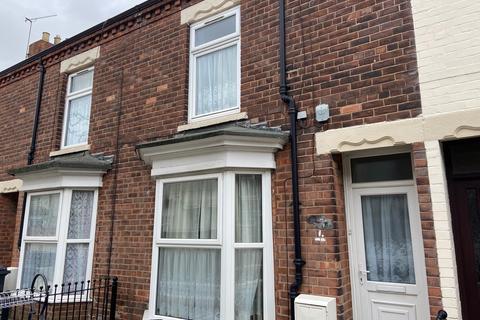 3 bedroom terraced house to rent - Charlton Villas, Estcourt Street, Hull
