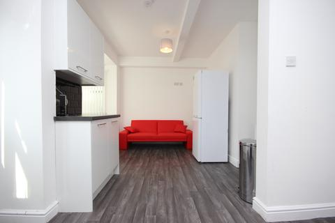 4 bedroom house share to rent - Pink Street, Burnley BB12