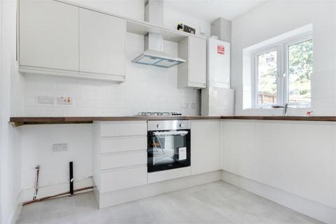2 bedroom end of terrace house for sale - Cheltenham Road, Leyton, London, E10