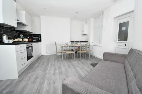 4 bedroom house share to rent - Coal Clough Lane, Burnley BB11