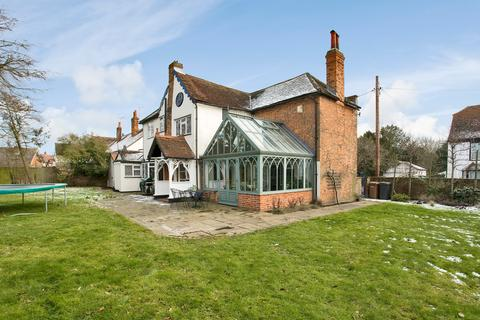 4 bedroom detached house to rent - High Street, Stock CM4