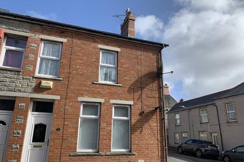 3 bedroom end of terrace house for sale - Harvey Street, Barry