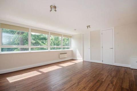 Studio to rent - Hilltop House, Hornsey Lane, N6