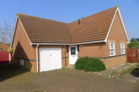 3 bedroom bungalow - Shorefields, Rainham, Gillingham