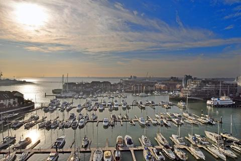 3 bedroom flat for sale - Sundowner, Channel Way, Southampton, SO14 3JB