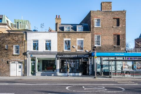 Retail property (high street) to rent - Islington Green, Angel, Islington, London, N1