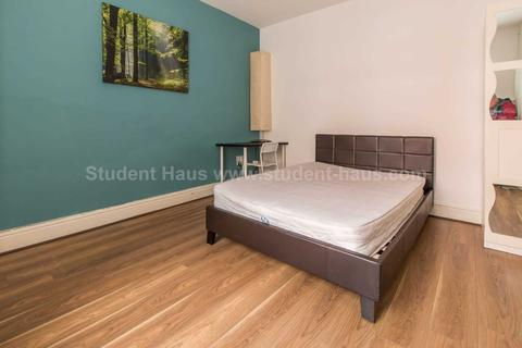3 bedroom house to rent - Spring Gardens, Salford