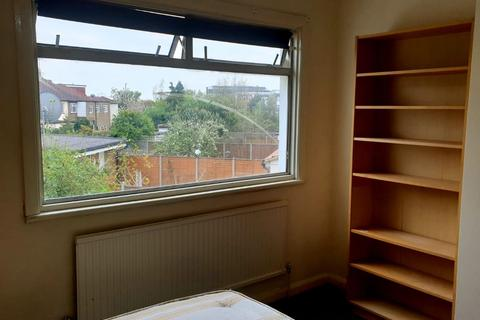 1 bedroom house share to rent - Enfield