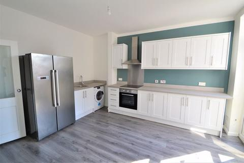 3 bedroom terraced house to rent - Gerald Road, Salford