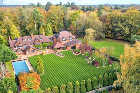 12 bedroom country house for sale - Nightingales Lane, Buckinghamshire HP8