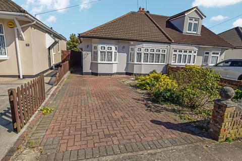 3 bedroom semi-detached bungalow for sale - Doncaster Way, Upminster, Essex, RM14