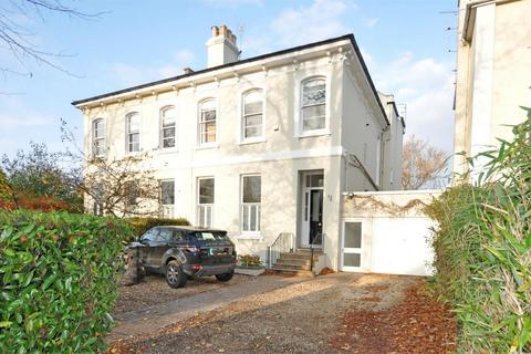 5 bedroom semi-detached house to rent - Sydenham Road North, Cheltenham, Gloucestershire