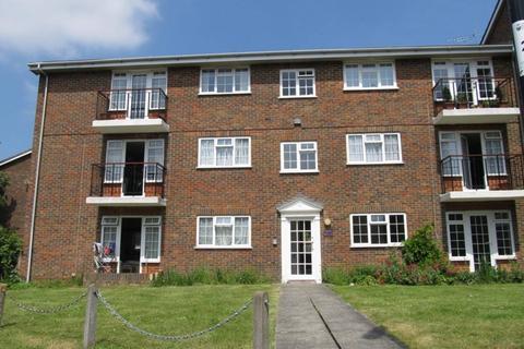 2 bedroom flat to rent - Church Close Burgess Hill RH15 8EZ