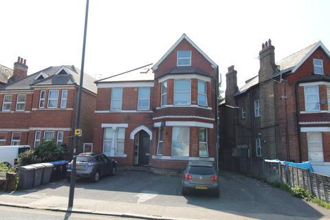 Studio to rent - Craven Park, London NW10
