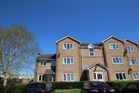 2 bedroom apartment to rent - Farriers Close