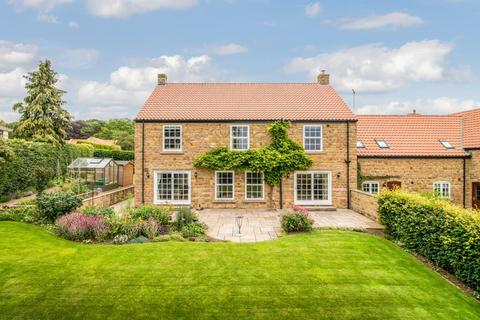 4 bedroom detached house for sale - Thornton View, Thornton le Dale