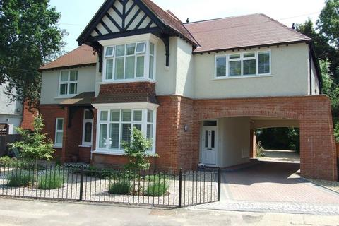 3 bedroom maisonette to rent - Tower Road, Tadworth, KT20