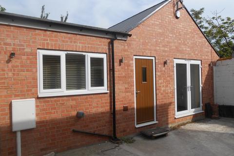 2 bedroom detached bungalow to rent - Forman Street, Derby