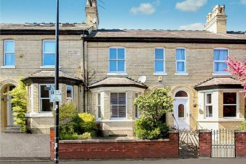 3 bedroom terraced house to rent - Ashfield Road, Altrincham