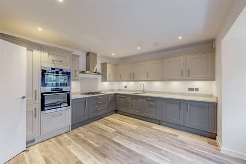 5 bedroom detached house for sale - Pine Gardens, Horley, Surrey, RH6