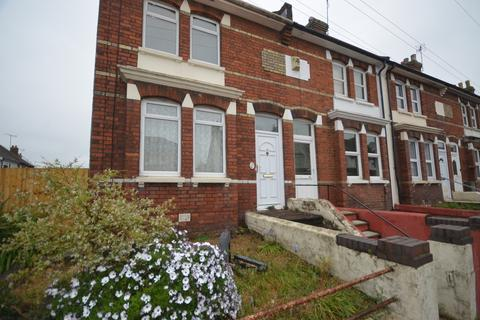3 bedroom end of terrace house to rent - Hythe Road Ashford TN24