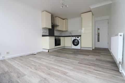 4 bedroom apartment to rent - Tealby Court, Georges Road, N7