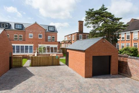 5 bedroom end of terrace house for sale - 5 The Sycamores, Sycamore Place, Bootham, York