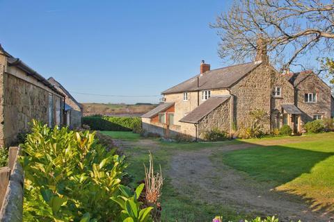 3 bedroom semi-detached house for sale - Roud, Ventnor