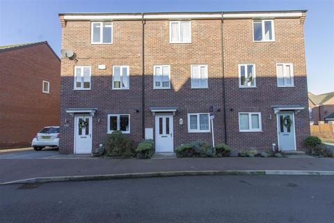 4 bedroom townhouse for sale - Hetton Drive, Clay Cross, Chesterfield