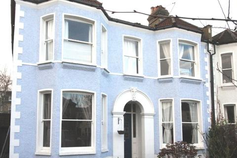 Studio to rent - Wellmeadow Road, London, SE6