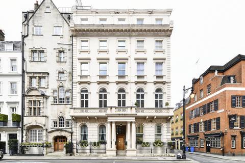 3 bedroom flat to rent - Charles Street, London, W1J