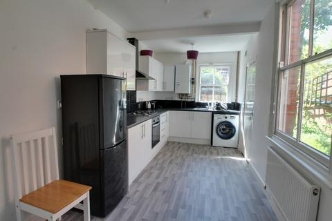 4 bedroom terraced house to rent - Gotham Street, Leicester