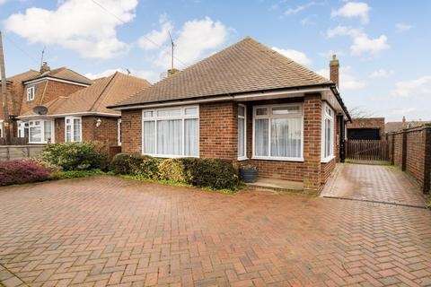 2 bedroom detached bungalow for sale - Herne Bay Road, Whitstable