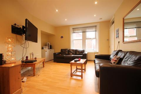 5 bedroom maisonette to rent - Second Avenue, Heaton