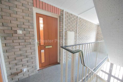 2 bedroom flat to rent - Durngate Street, Dorchester