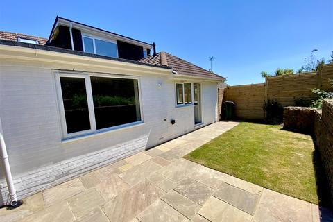4 bedroom semi-detached house for sale - Lindfield Close, Saltdean, Brighton