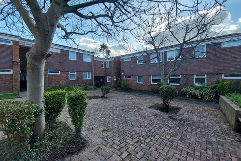2 bedroom flat to rent - AMBLESIDE , BROMLEY, BR1 4DN