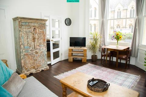 1 bedroom ground floor flat to rent - Holland Road, Hove, BN3 1JW
