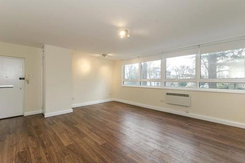 Studio to rent - Hilltop House, Hornsey Lane, London
