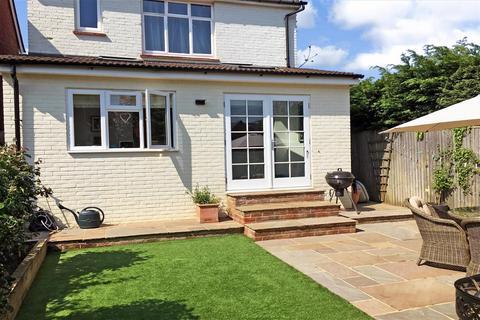 4 bedroom detached house for sale - Lawn Road, Tonbridge, Kent
