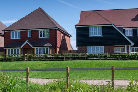 4 bedroom house for sale - Plot 130 at Edenbrook Village, Hitches Lane GU51