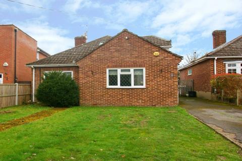 3 bedroom detached bungalow for sale - Well Lane, Stock, Ingatestone, Essex, CM4