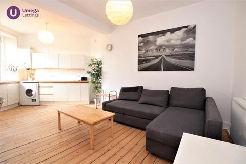 1 bedroom flat to rent - Buccleuch Street, Newington, Edinburgh, EH8