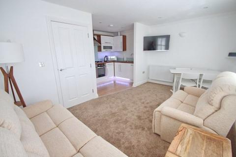 2 bedroom apartment to rent - Flat 9 Town Gate , 20 King George Avenue