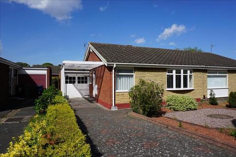 2 bedroom bungalow to rent - Windsor Close, Whickham, Newcastle upon Tyne, Tyne & Wear, NE16 5SX