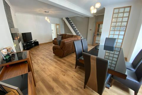3 bedroom end of terrace house for sale - North Road - Ferndale