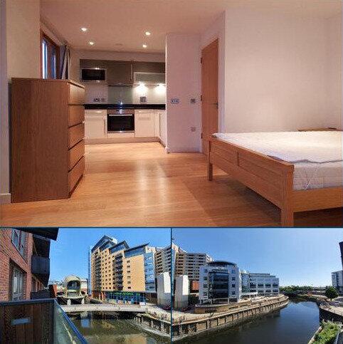 Studio to rent - Granary Wharf  Leeds LS1